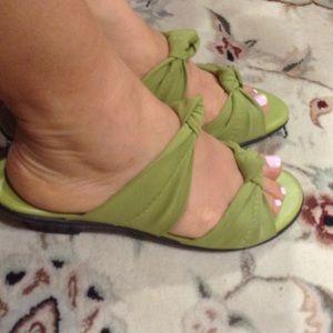 🌺Munro America sandals